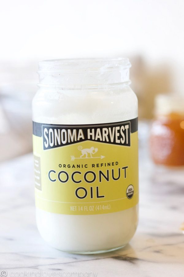 A close up shot of a jar of Sonoma Harvest Coconut Oil
