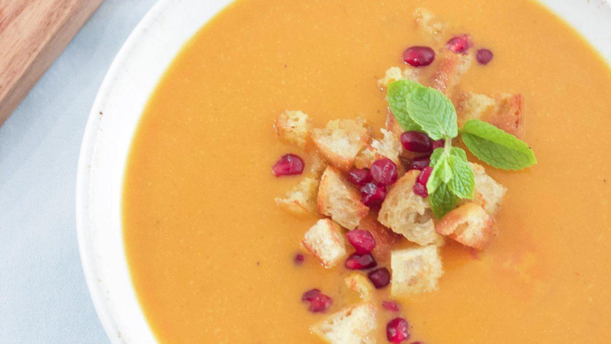 Vegan Pumpkin Curry Soup
